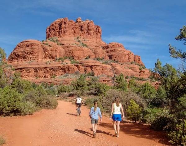 00-651-Hiking-and-biking-Bell-Rock-Pathway-Sedona-Arizona