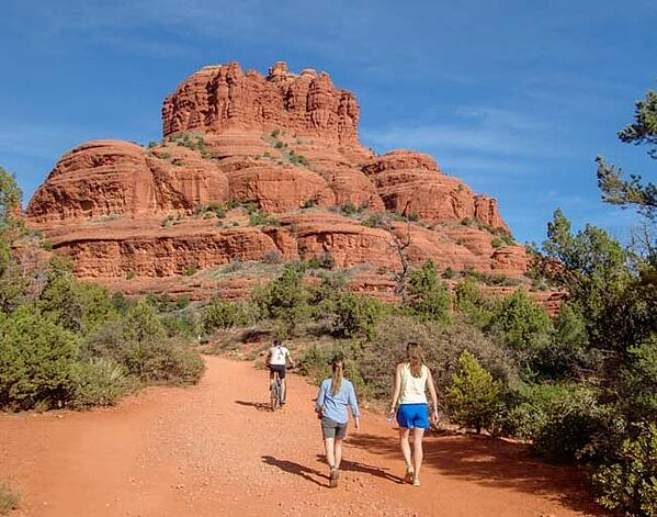 00-651-Hiking-and-biking-Bell-Rock-Pathway-Sedona-Arizona